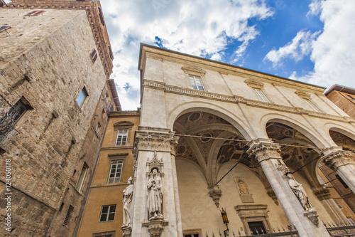 Zdjęcia Loggia della Mercanzia in Siena