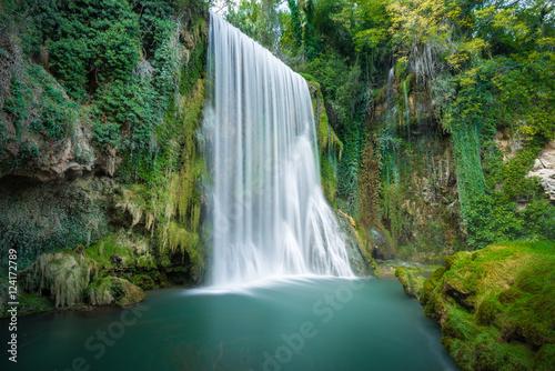 wodospad-w-monasterio-de-piedra-zaragoza-hiszpania