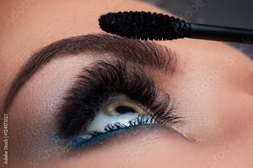 Zamknij się kobiece oko piękne długie rzęsy