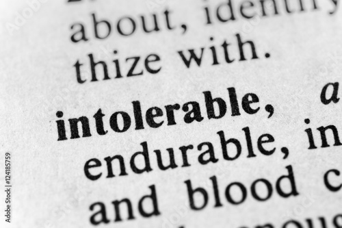 Poster Intolerable