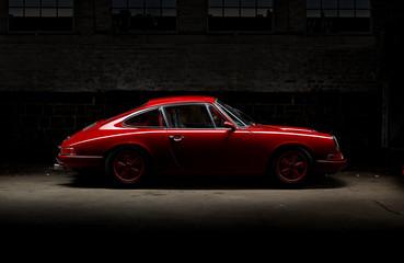 911 Oldtimer roter Sportwagen, Rennauto siebziger Jahre