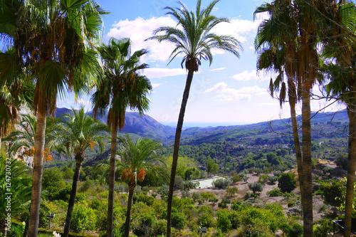 montañas y vistas desde el pueblo del castell de guadalest en alicante valencia