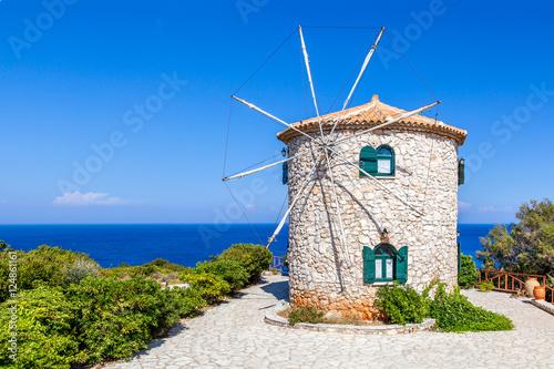 Zdjęcia na płótnie, fototapety na wymiar, obrazy na ścianę : Traditional windmill, Zakynthos island, Greece