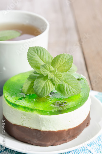 Fotobehang Thee herbal tea with cake on wooden background.