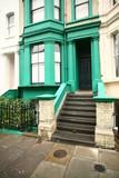 casa verniciata di verde