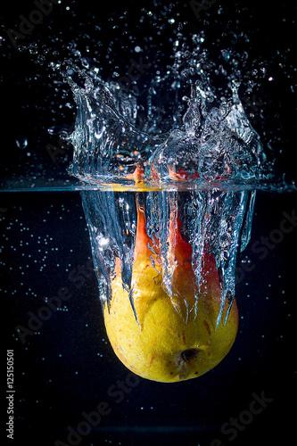 owoce-w-wodzie-plusk