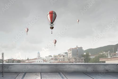 aerostaty-latajace-wysoko-rozne-srodki-przekazu