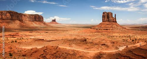 In de dag Oranje eclat Monument Valley Navajo Tribal Park - USA