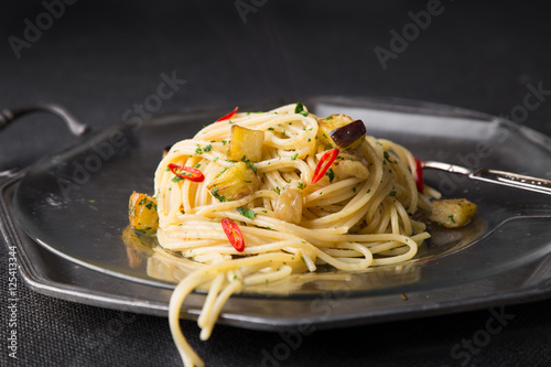 Poster Spaghetti garlic, oil and hot pepper and eggplant