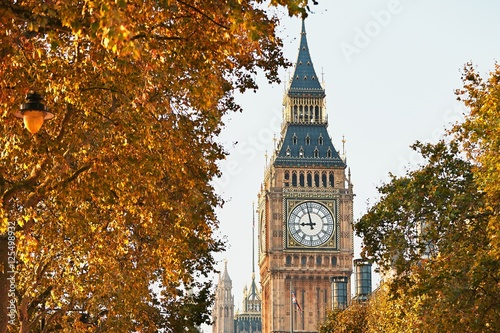 Spoed canvasdoek 2cm dik London Big Ben in sunny autumn day