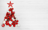Weihnachten / Weihnachtsbaum aus Kugeln © Coloures-Pic