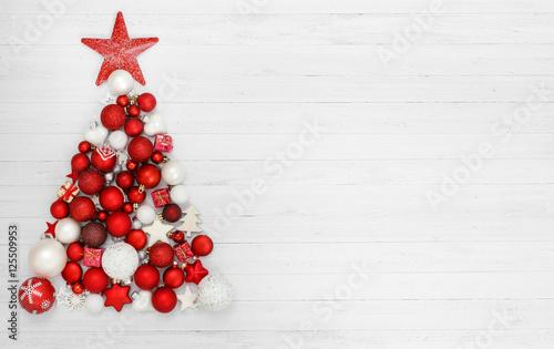 Fototapeta Weihnachten / Weihnachtsbaum aus Kugeln
