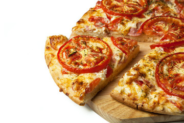 136415 ready pizza with tomatoes close up