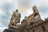 La statua e la cattedrale