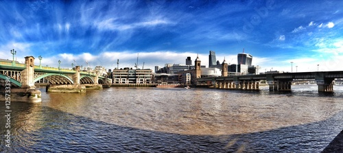 london-thames-panorama