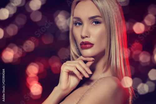 Póster Beauty portrait. Beautiful sensual blonde woman.