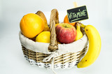 Vitamine / Frisches Obst im Korb / Obstkorb / Gesund