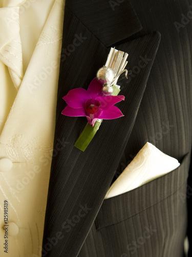 Poster Detalle de traje de novio