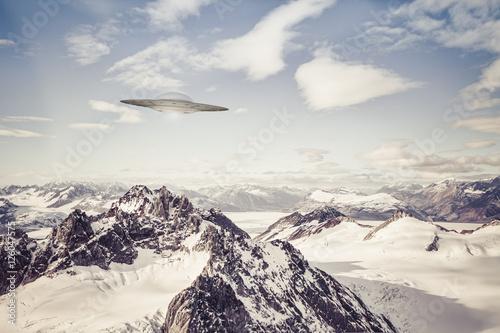 Aluminium UFO UFO over Alaskan Mountains