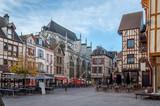 Troyes et ses façades à pans de bois - 126159931