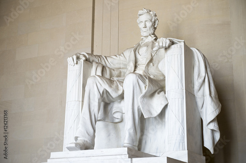 Poster Statue of American president Abraham Lincoln seated in white marble at Lincoln M
