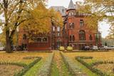 Wąsowo - pałac i park pałacowy w jesiennej scenerii