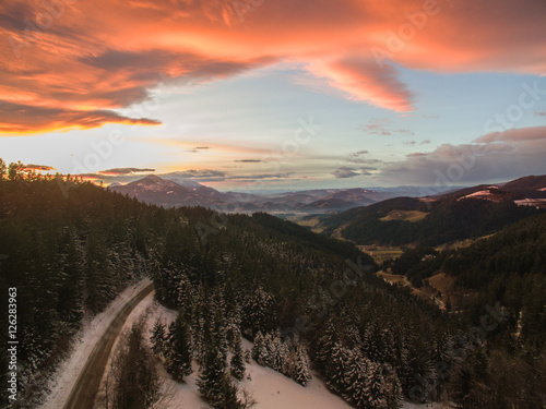 Papiers peints Cappuccino Aerial: Beautiful Mountain Sunset