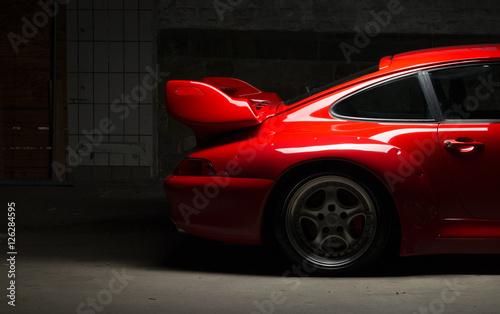 nowoczesny czerwony samochód sportowy, luksusowy samochód wyścigowy