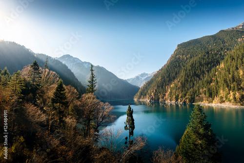 niesamowity-widok-na-park-narodowy-jiuzhai-valley