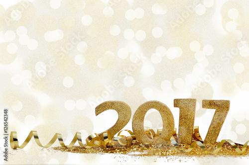 Poster nouvel an 2017 dans confetti et ruban doré