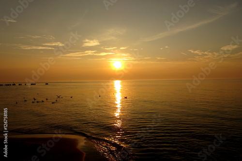 Zachód - czerwone morze
