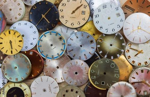 Zdjęcia stare tarcze zegarków