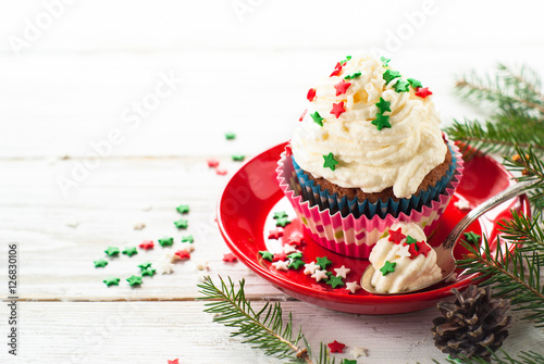 Poster Christmas cupcakes with whipped cream