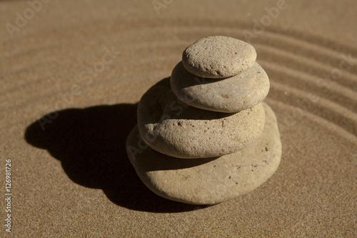 Papiers peints Zen pierres a sable galets en équilibre zen