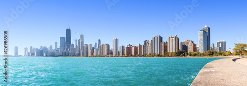 Plexiglas Chicago Chicago city skyline, panoramic morning view over Lake Michigan, USA.