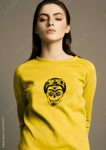 Poster Beautiful fashion model wearing  jumper scull