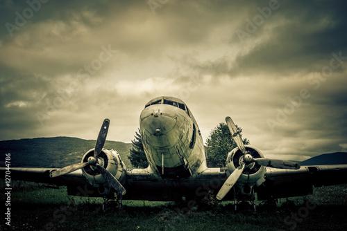 Poster war plane wreck