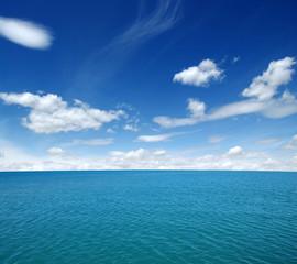 Fototapeta niebieskie czyste morze