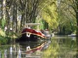 Péniche sur le Canal du Midi (France) - 127241549