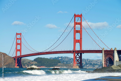 Poszter Golden Gate Bridge, viewed from Baker Beach during King Tide phenomenon at high