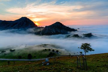 Fototapeta piękna sceneria w górach