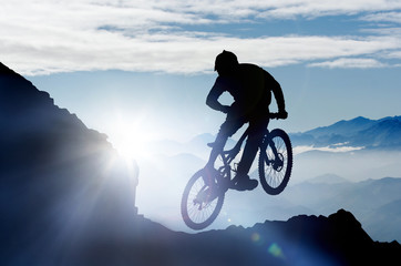 fototapeta skoki na rowerze górskim
