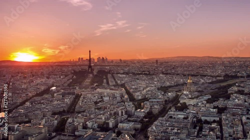 Poster paris skyline aerial timelapse from day to night pan