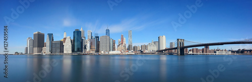 Brooklyn Bridge and downtown Manhattan плакат