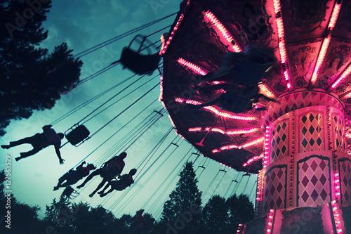 Deurstickers Amusementspark sillas voladoras en el cielo