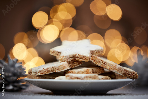 Poster Christmas cookies and background lights