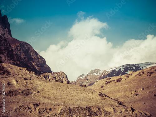 Plakát Annapurna circuit trek scenic mountain and desert landscape, Nepal, Vintage Styl