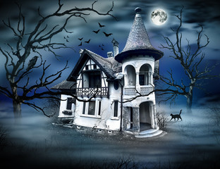 Haunted House with Dark Horror Atmosphere.