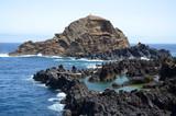 Scogli a Porto Moniz nell'isola di Madeira - 127945981