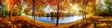 Landschaft im Herbst, sonniges Panorama am Waldrand mit Blick auf einem Fluss - 127987176